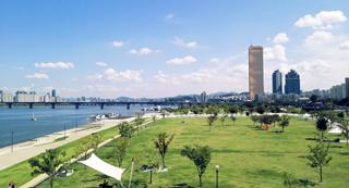 5.  한강시민공원 (여의도 지구)
